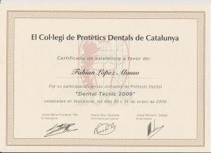 Título doctor Fabián López de prótesis dental.